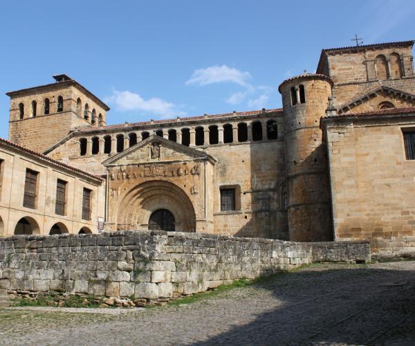 Santillana del Mar - Oviedo
