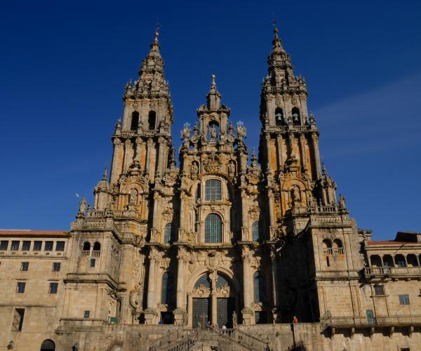 Saint Jean Pied de Port - Santiago de Compostela à pied et en minibus