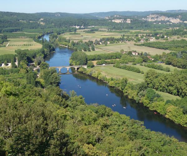Périgord : Au fil de la Dordogne sur les pas d'Harrison Barker